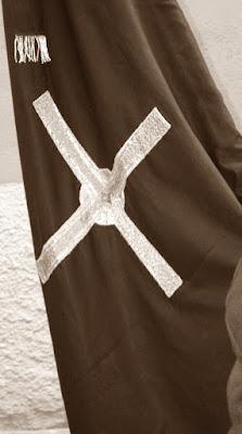 Bandera del paso Santo Cristo de la Agonía. Cofradía Dulce Nombre de Jesús Nazareno. Foto. G. Márquez.