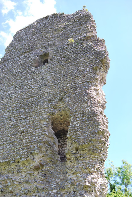 Keep wall ruins, Bramber Castle, Sussex