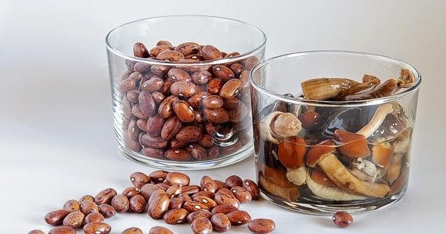 La gastrocinemia estofado de alubias pintas y setas for Como se cocinan las setas