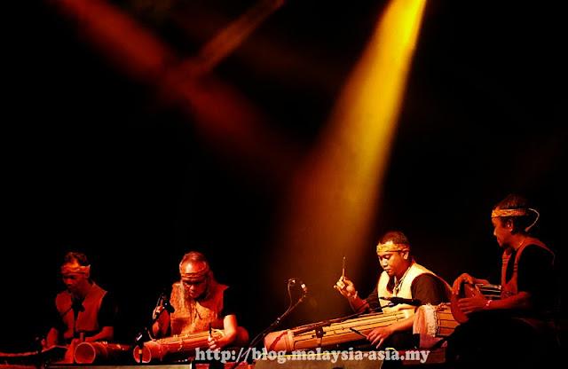 Lan E Tuyang at the Rainforest World Music Festival