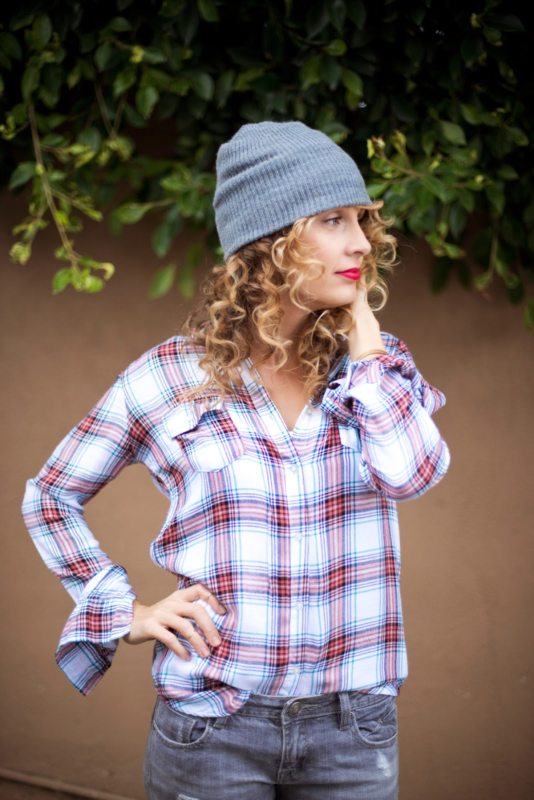 red lips, how to style a stocking hat