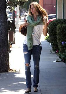 street style gisele bundchen jeans