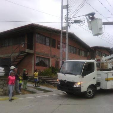 70% del alumbrado público a un año de Gestión Pública Municipal se ha recuperado en Campo Elías