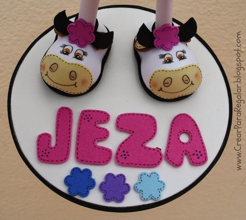 fofucha con zapatos de vaca pintado a mano