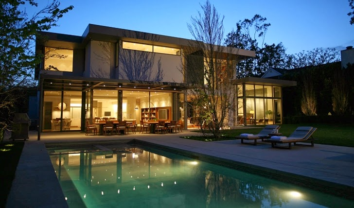 Swimming pool of Beautiful house by Belzberg Architects Group