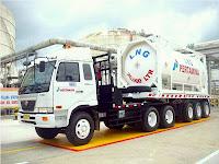 Pengiriman LNG Pertama dengan Media Transportasi Truck (Kerjasama PT Badak NGL - Indominco)