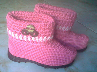 Sepatu Rajutan Balita