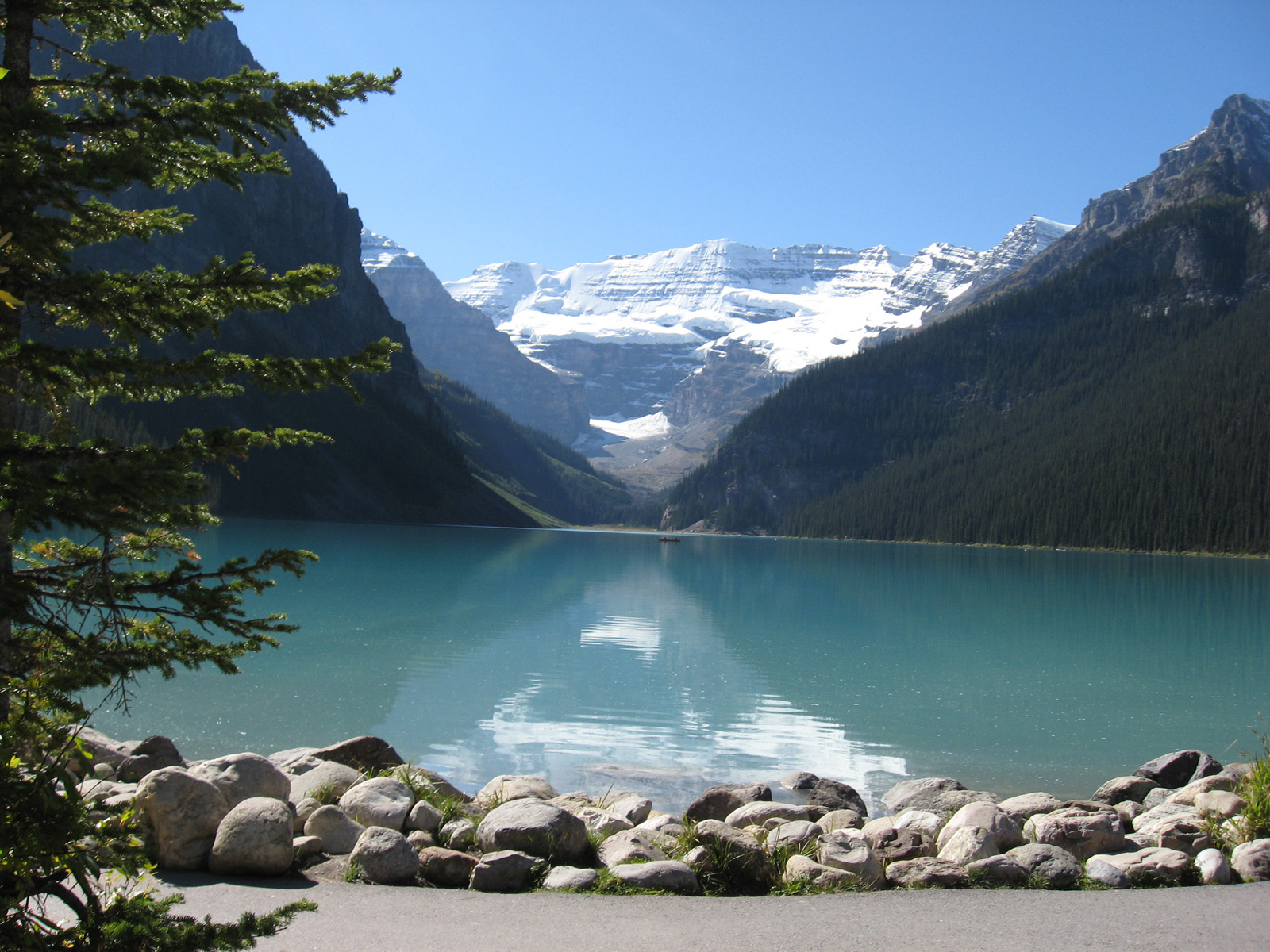 The Beautiful Lake Louise Canada Travel And Tourism