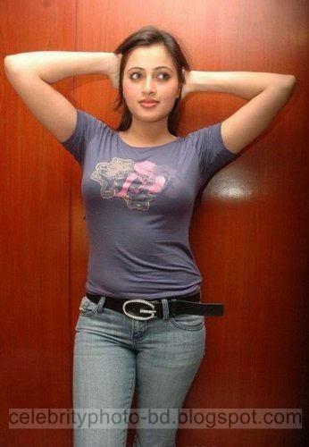 Young%2BSuper%2BBoobs%2BIndian%2Bhot%2BGirls%2BPhotos003