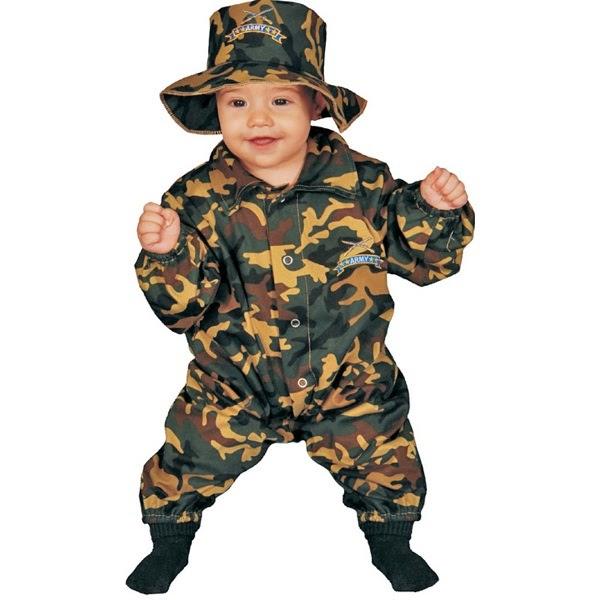 Gambar bayi lucu memakai kostum tentara
