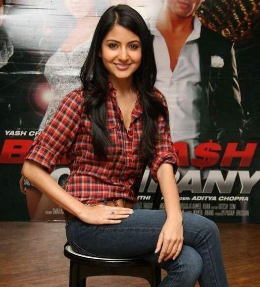 actress+anushka+sharma+hot+photos+in+jeans