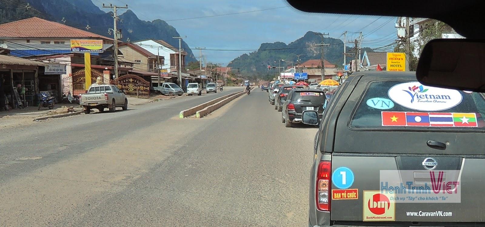 Qua cửa khẩu Cầu Treo từ Hà Tĩnh đi Viêng Chăn