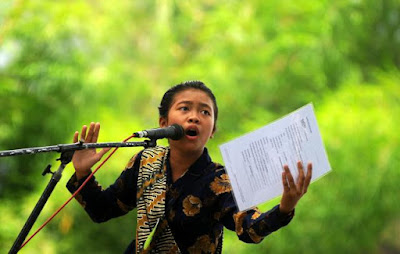 contoh puisi bahasa jawa www.blogsoaljawaban.blogspot.com