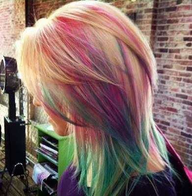 Rainbow highlights untuk rambut layer 2016