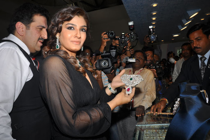 raveena tandon launches 8th higje unseen pics