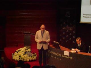 "Alfons Cornella - Ponencia ""We update you"" en Premios Emprendedor XXI de Vitoria-Gasteiz."