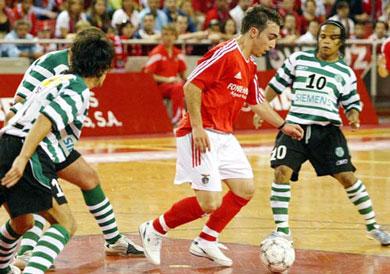 João Pereira associado ao Barcelona  Ricardinho (melhor jogador do ... fb035c5af9128
