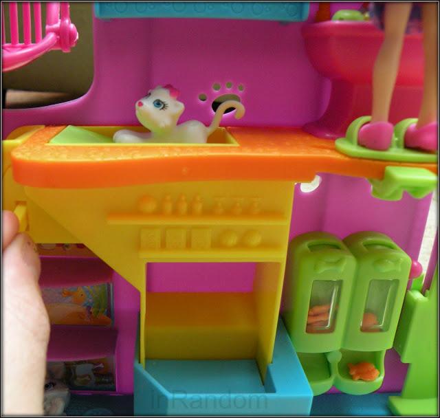 Polly Pocket Pet Shop Trap Door