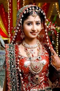 sana shaikh in bridal dress.jpg