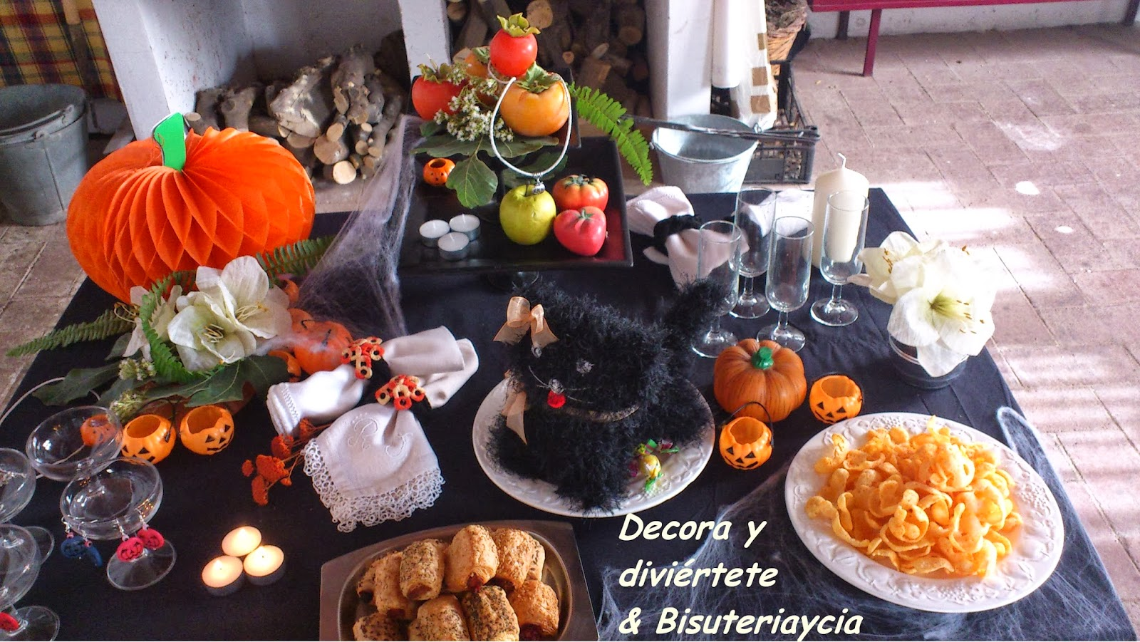 La decoraci n de una mesa de halloween casera decora y - Decoracion mesa halloween ...