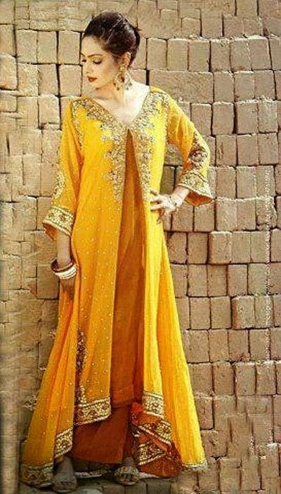 Trendy Mehndi Outfits to Make Your Event Memorable ...