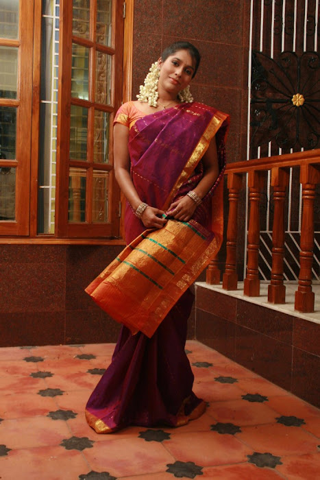 rashmi gautham tight saree girls unseen pics