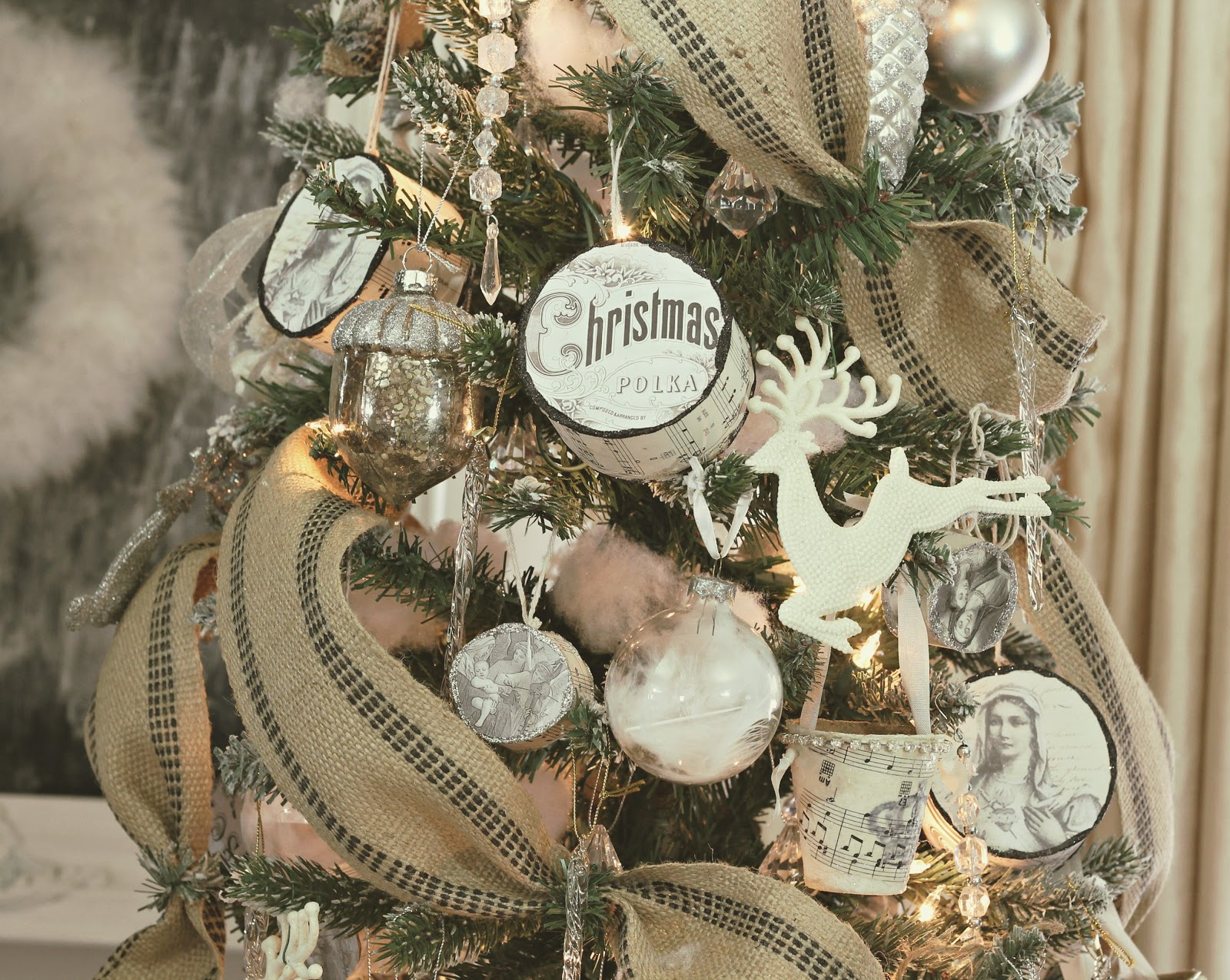 French Country Christmas Decorating Ideas: Shabby Sweet Cottage: A Little Christmas Here And There