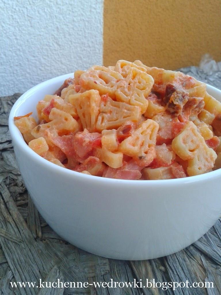 Makaron w sosie pomidorowym z ricottą
