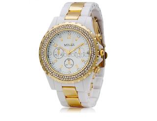 Relógio feminino analógico decorado com cristal. Resistente a água. R$65,00. relógio branco com cristais e detalhe dourado