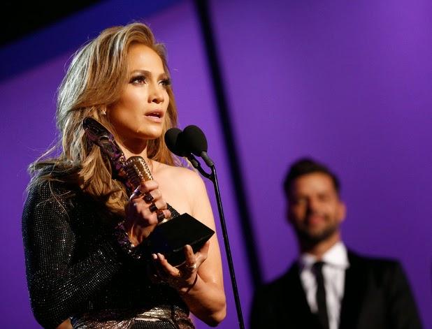 Jennifer Lopez Wins Icon Billboard Award 2014