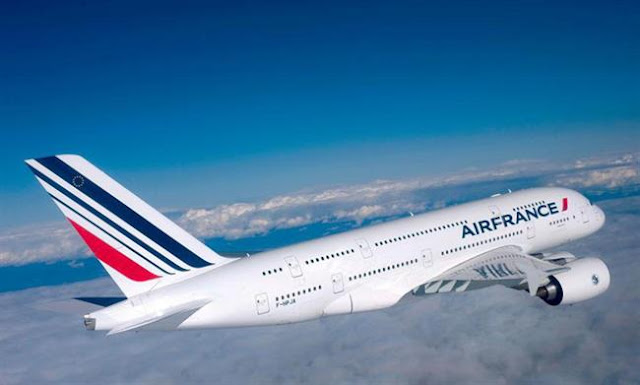 ve-may-bay-gia-re-hang-AirFrance