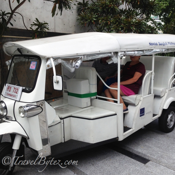 Tuk tuk Experience to Central World: To the movies and ice-cream