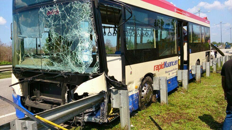 bas rapid kuantan kemalangan