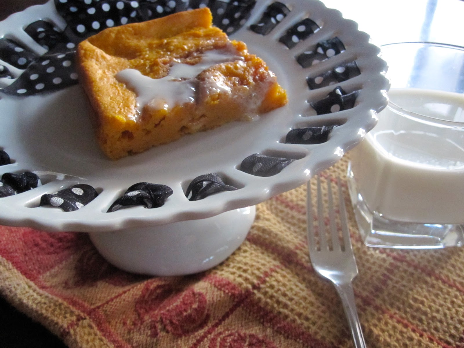 Cinnamon Roll Pumpkin Vanilla Sheet Cake Recipe — Dishmaps