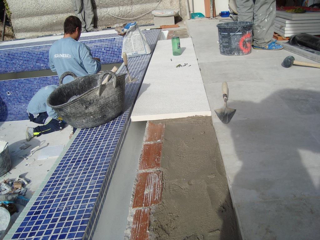 Preparando desbordante dudas vaso rebosadero y for Hacer piscina de obra paso a paso