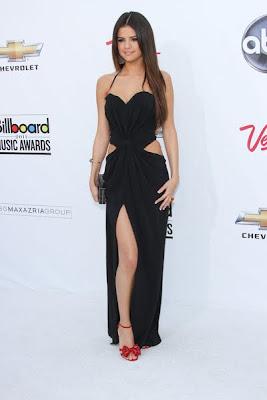 Selena Gomez Devastatingly Gorgeous at 2011 Billboard Music Awards