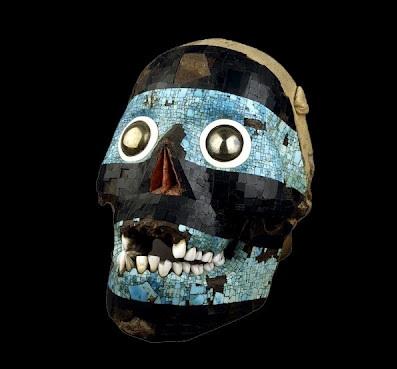 mascara cráneo  representando a tezcatlipoca negro.