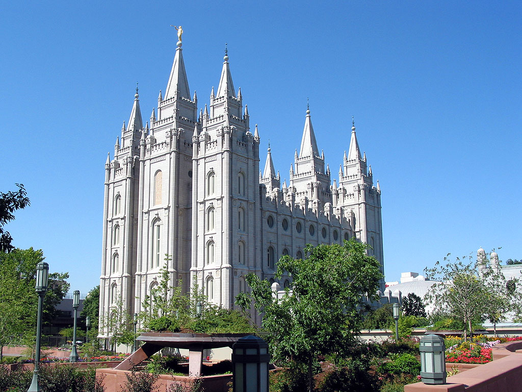 http://2.bp.blogspot.com/-i-5nli05KKk/TZSgS_hM6GI/AAAAAAAAAVQ/a-OSDa6zWHU/s1600/salt-lake-mormon-temple1.jpg