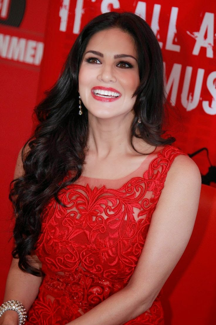 Sunny Leone Wallpapers Free Download