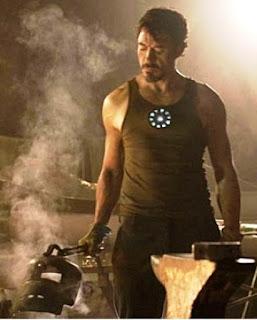 Reaktor pada dada Tony Stark - IRON MAN