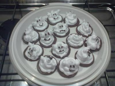 dolci tentazioni: marshmallow ghosts!