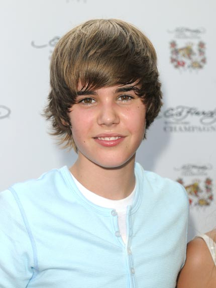 justin bieber new haircut december 2010. justin bieber new haircut 2010