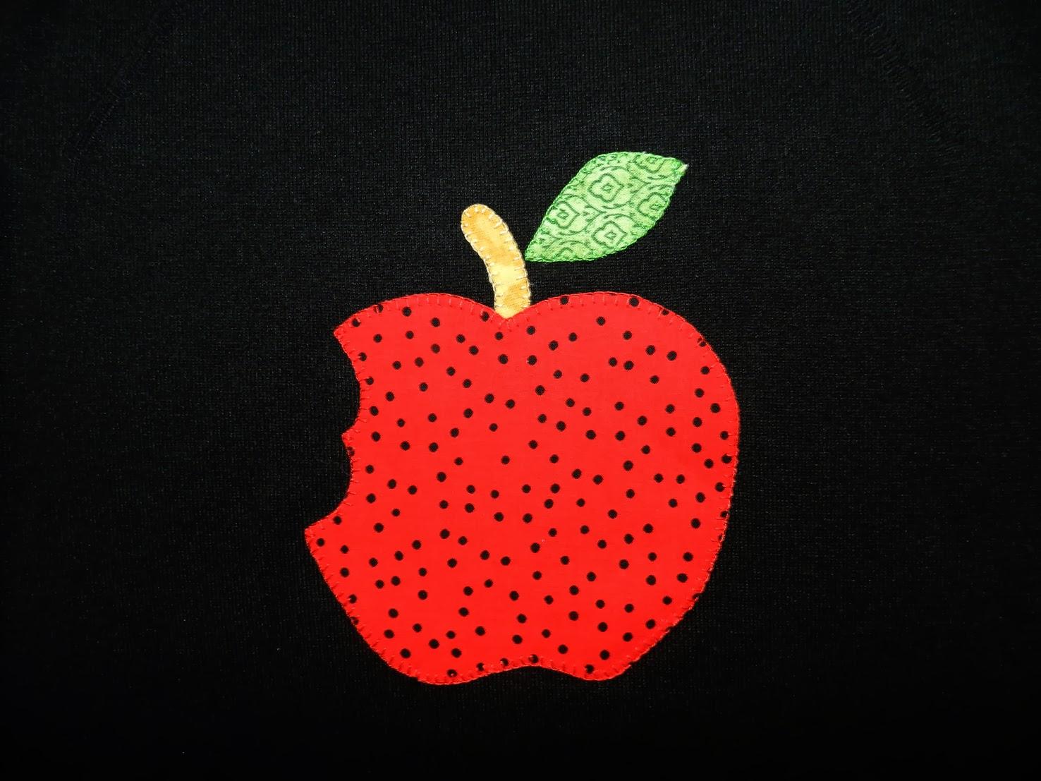 Camisetas patchwork, camiseta patchwork, camiseta con aplicaciones patchwork, aplicaciones, manzana mordida, camiseta manzana, camiseta manzana mordida, camiseta adulto patchwork, camiseta mujer,