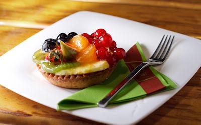 Delicioso pay de queso con frutas y mermelada - fruit cake