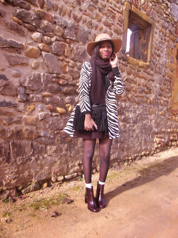 look-capeline-manteau-zara-zebre