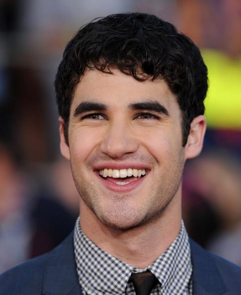 Darren Criss Performs Free Holiday Concert for eBay's Toys for Tots, 12/9
