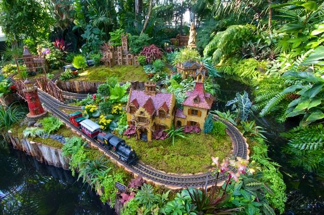 12 Days of Christmas Gift Guide- Day 4 Botanical Gardens Train Show ...