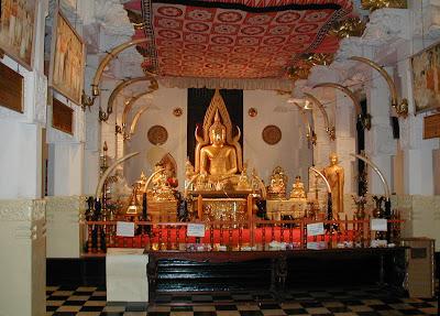 Sacred Tooth Temple Srilanka