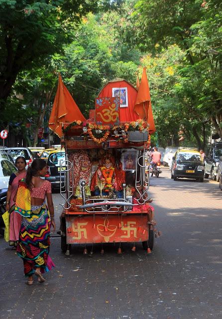 temple mumbai mobile wheels travelling
