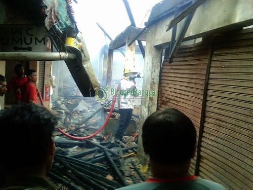 foto kebakaran pasar kertasemaya tulungagung indramayu
